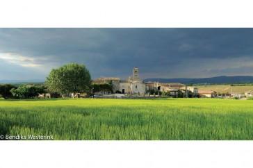 Een 6x17 panoramabeeld opgebouwd uit 4 staande opnames. Sauveplantade; Ardèche; Frankrijk.