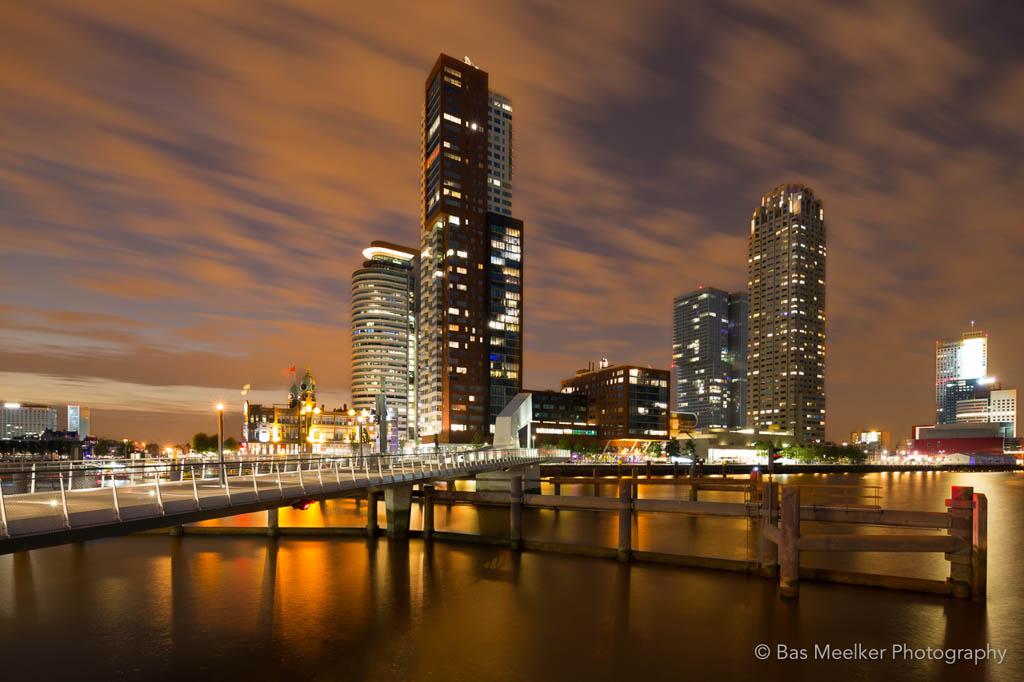 Skyline van Rotterdam gefotografeerd tijdens een workshop 'City Lights' in Rotterdam.