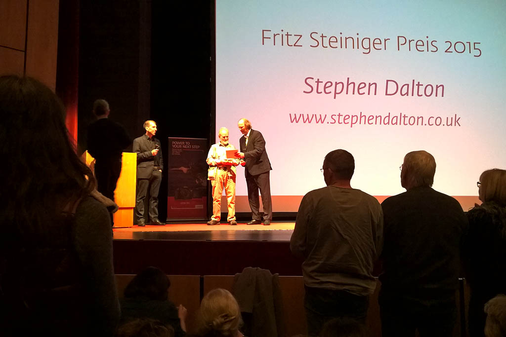 Stephan Dalton ontvangt de  Fritz Steiniger Preis.