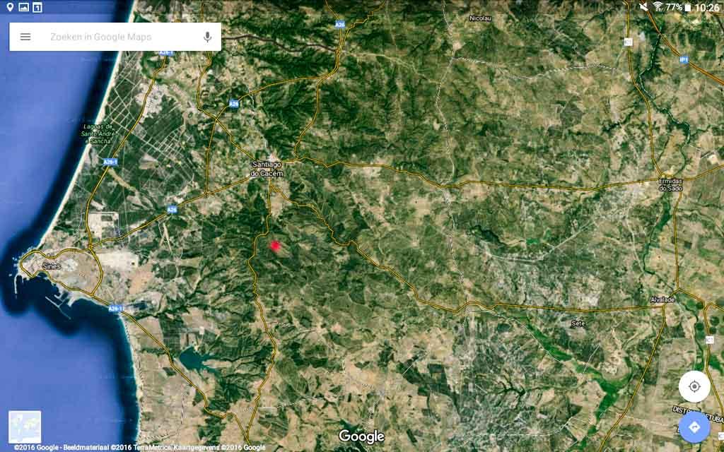 Locatie van Monte Horizonte ten oosten van Sines aangegeven met rode stip.