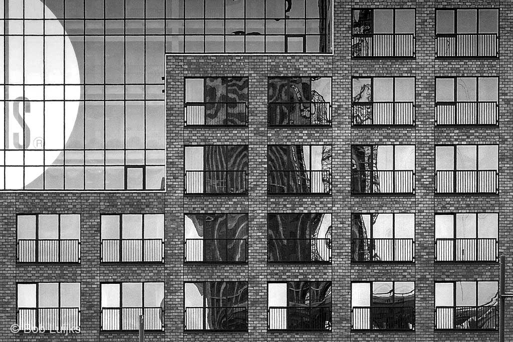 Architectuur, met al die strakke vormen weer heel wat anders.