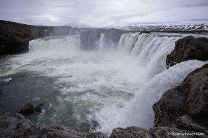 Goðafoss waterval IJsland: 1/400 sec. sluitertijd.