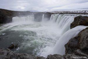 Goðafoss waterval IJsland: 1/6 sec. sluitertijd.