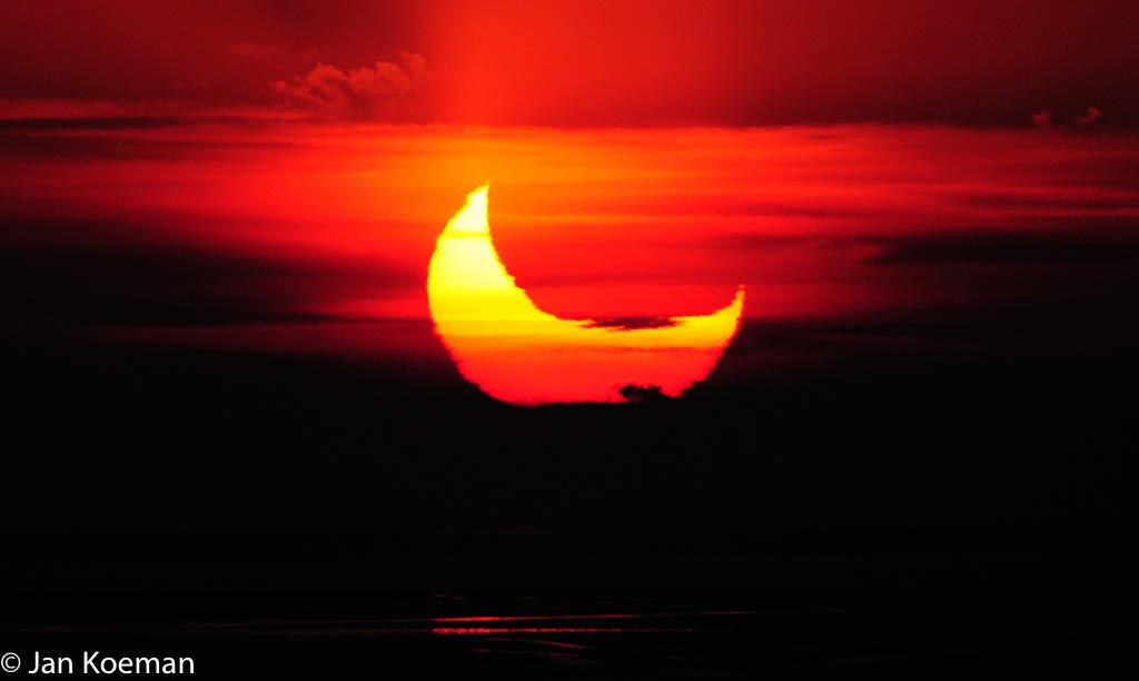 Gedeeltelijke zonsverduistering 2011-01-04