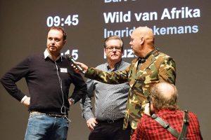 Organisatoren Lesley de Beer en Jurgen Sloots met presentator henjan Kievit gefotografeerd door Wim Wilmers