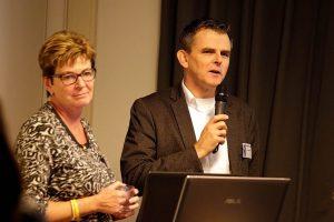 Spreker Marianne Brouwer en Deel de Natuur presentator Bas Oosterom