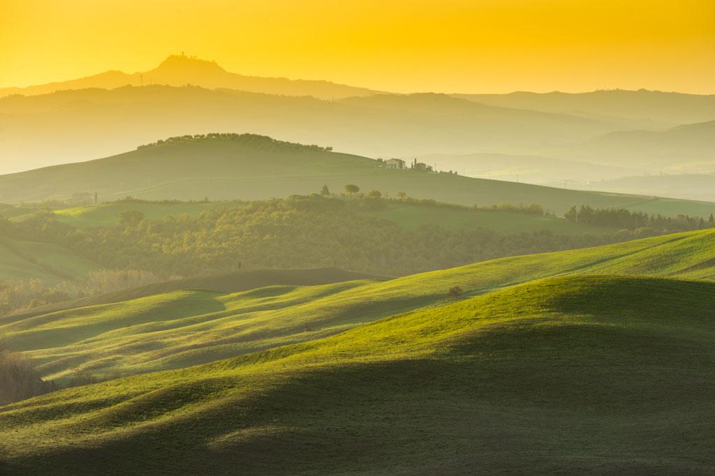 Golvend landschap in Toscany. Italië.